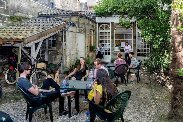 Bordeaux French Language School Garden full of students between lessons